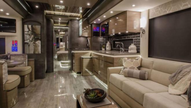 caravana porsche lujo salon de lujo